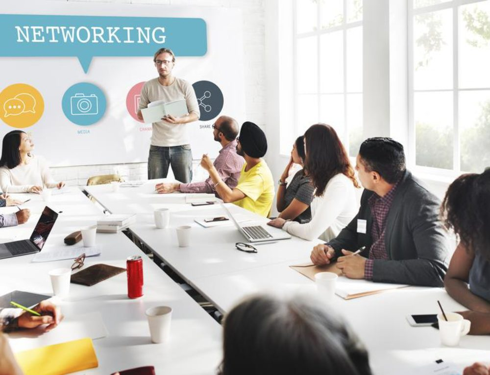 How To Use Blogging And Social Networking To Develop Your Business